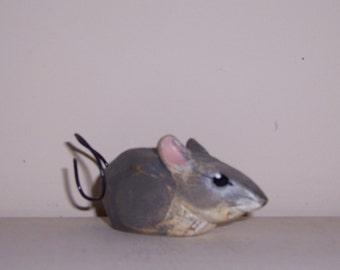 folk art House Mouse carving