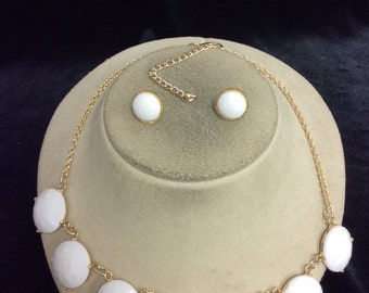 Vintage White Necklace & Earring Set