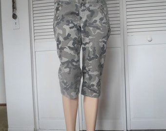 Cargo Pants Camouflage Cropped Hippie Capri Army Fatigue Size 13 Army Green Skinny Tight Leg utility vintage