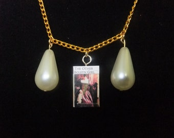 The Other Boleyn Girl Book Necklace