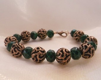 Faceted Green Glass and Copper Beaded 7.5 inch Bracelet
