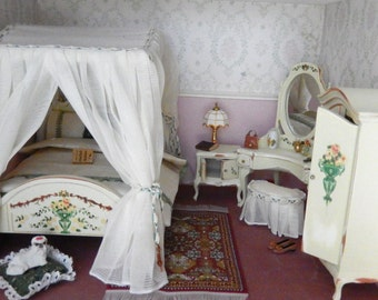 Dollhouse Miniature Distressed Cream Double Bed Bedroom Set