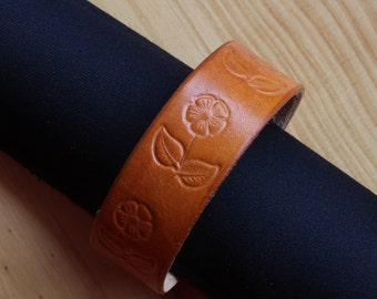 Flower Bracelet, Leather Bracelet, Flower Cuff Bracelet, Floral Leather Wristband, Narrow Leather Cuff, Floral Cuff Bracelet,Surfer Bracelet