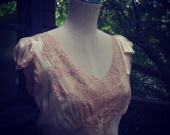 1930s silk cream bias-cut dress or gown with cap sleeves and a dusky-pink lace
