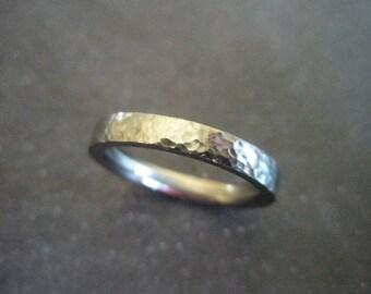 Beaten titanium ring 3mm