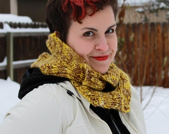 Yellow and brown branching rib scarf