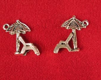 """BULK! 30pc """"beach chair"""" charms in antique silver style (BC536B)"""