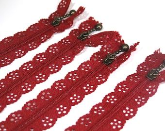 3pc zipper 30cm / 12inch burgundy lace closed end (Z40)