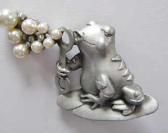 Rare Hard To Find JJ Jonette Frog Blowing Bubbles Brooch Pin