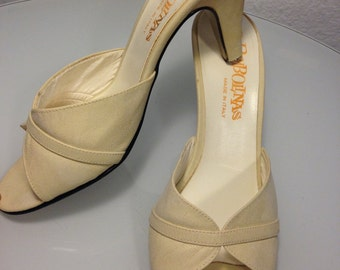FREE SHIPPING   1950's  Slip In  Shoes