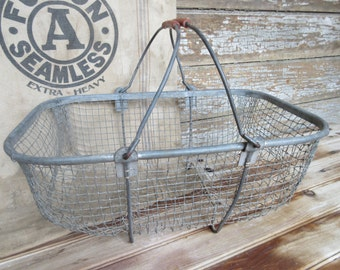Industrial Wire Shopping Basket Metal Wire Footed Basket with Handles Antique Farmhouse