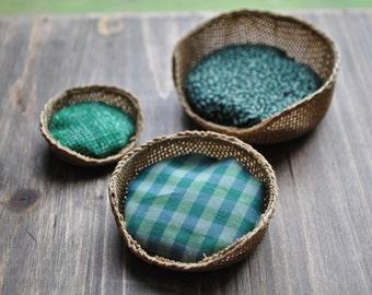 1:12th Scale Dollshouse Miniature Pet Basket