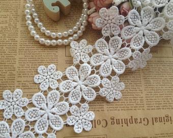 Cotton lace trim White bridal lace Crochet lace fabric trim Daisy lace trim Antique lace 2 yards