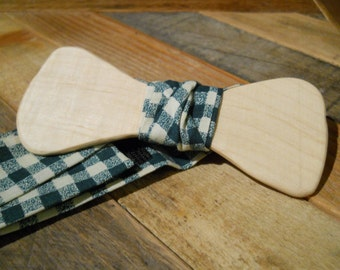 Wooden Bow Tie - Curly Maple