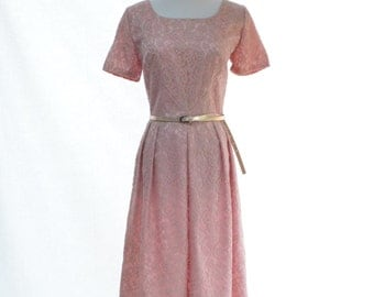 Mauve Delicate Lace Dress // 60s Vintage Dress // Dusty Rose Vintage Dress // Size S - M Dress // Size 6 -8  Dress // Pink Vintage Dress