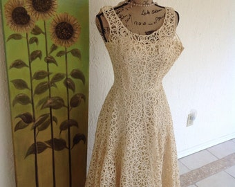 Vintage 50's cream lace party dress. No tags 6-7