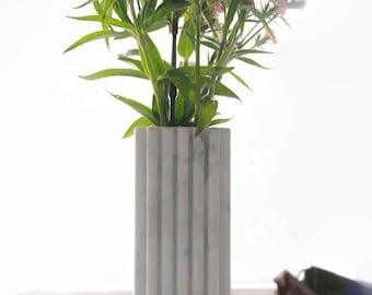Bernini Design centerpieces in wit Carrara marmer,