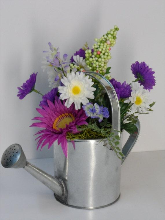 Arrosoir galvanis arrangement printemps arrosoir arrangement for Arrangement de cuisine