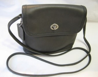 Coach Vintage Grey  Cross Body Messenger Purse Small 9049 Made in Costa Rica