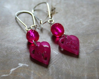 Sign of love - pink dangling earrings with engraved hearts, very unique and special
