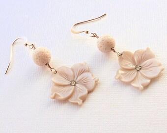 Plumeria Shell Earrings, Pearl Plumeria Earrings, Beach Wedding Earrings, Hawaiian Plumeria Earrings, Frangipani Earrings, Gifts for Her