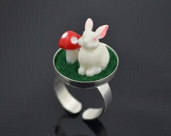 White rabbit ring, Alice in Wonderland, novelty ring, kitsch jewellery