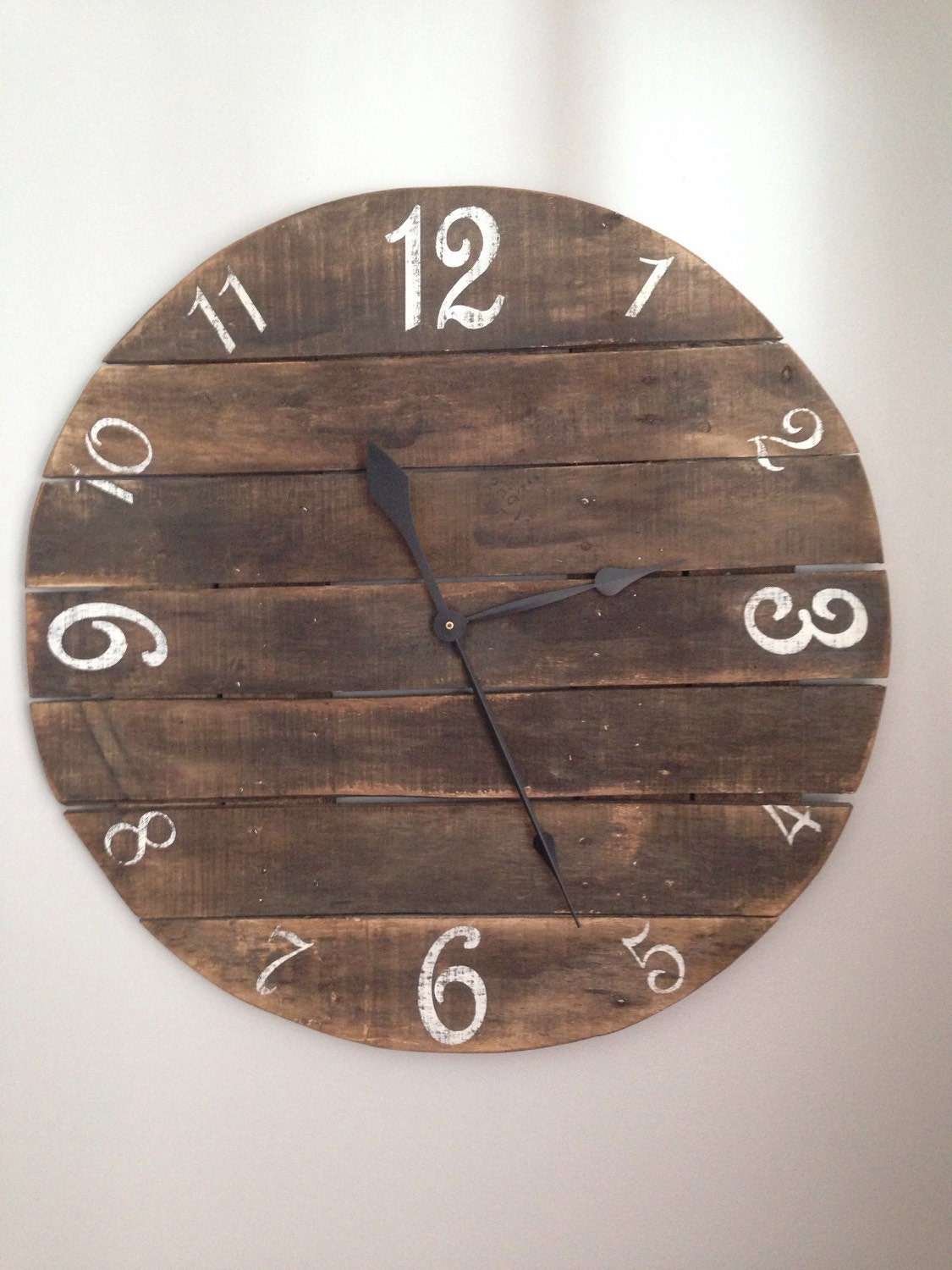 Rustic Pallet Clock Made From Reclaimed Wood