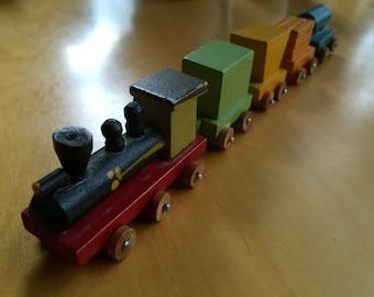 Vintage Miniature Shackman Wooden Magnetic Train Set