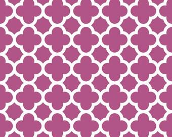 Quatrefoil in Fuchsia, Riley Blake Designs (C435-93) -- BY THE YARD