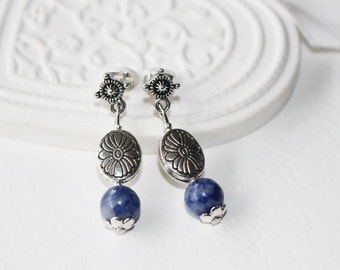 Earrings, sodalite beads, éloquance and self confidence