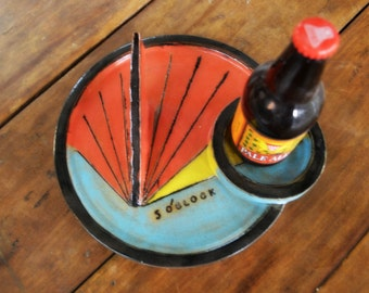 Working 5 O'clock Garden Sundial ©  with Built In Coaster for Beverage