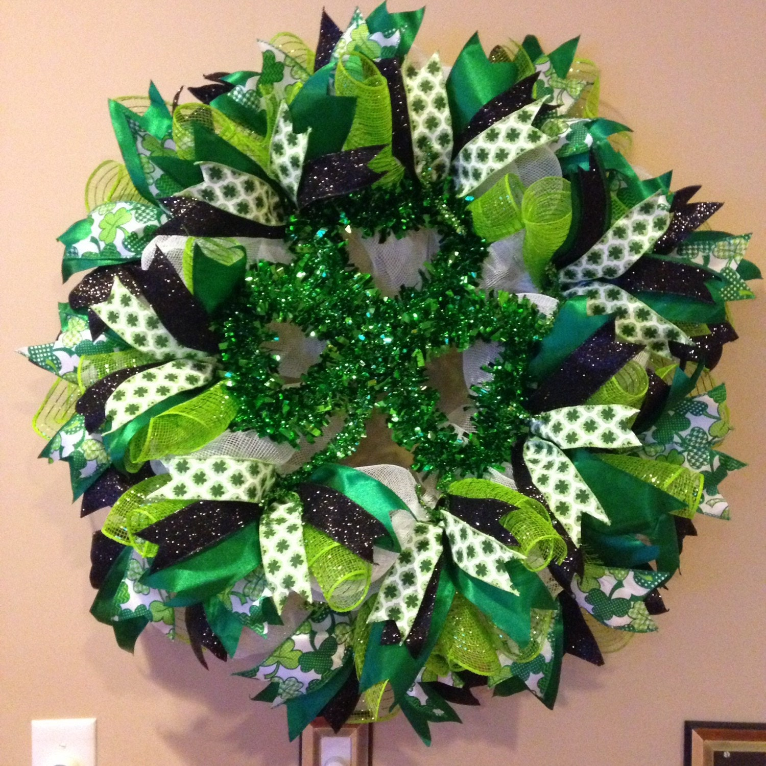 st patrick 39 s day deco mesh wreath st patrick 39 s day. Black Bedroom Furniture Sets. Home Design Ideas