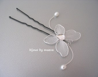 Hair jewelry wedding pic Butterfly bun and white pearls