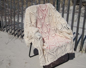 "ON SALE 20% off: Crochet afghan ""Pineapple"""