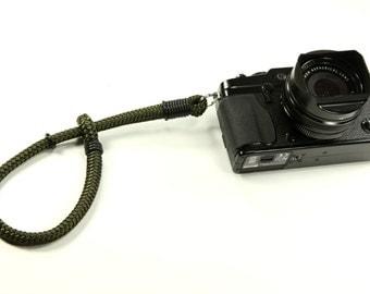 Lug Wrist Strap: Cord camera wrist strap