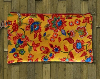 Clutch, Wristlet, Clutch Purse, Evening Bag, Bridesmaid Clutch, Floral Bag, Zippered Bag in Yellow & Red Floral - Made in Maui