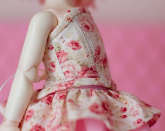 Red rose corset for tiny Littlefee/Yo-SD 1/6 size dolls.