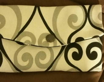 New Trifold fabric wallet with wristlet