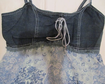 Large  Denim  top  - baby doll  - laced  front  blue  with  flowers