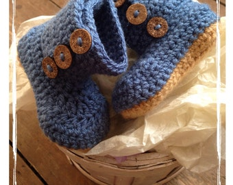 Baby boy bootees in Denim Blue, blue baby bootees, baby bootees, blue bootees, baby boy, baby shower gift, newborn bootees, crochet bootees