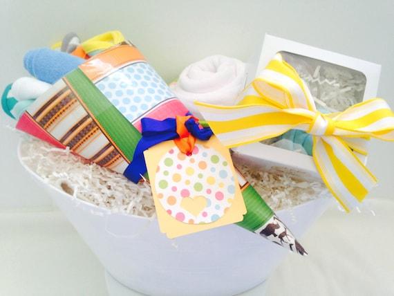 baby bath bucket baby shower gift basket by inspiredgiftbaskets. Black Bedroom Furniture Sets. Home Design Ideas