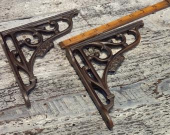 """6"""" x 6"""" GNER Cast Iron Shelf Bracket - (1 x bracket)"""