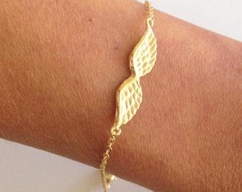 20% off-SALE!!! - Gold Angel Wings Bracelet - Chain Bracelet - Delicate Bracelet - Simple Bracelet - Dainty Bracelet - Gold Bracelet