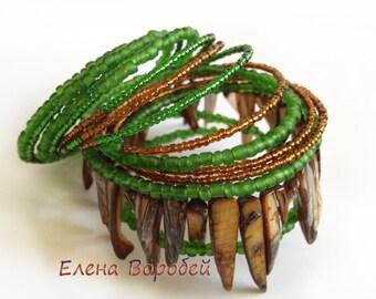 Wire bracelet/ Wire bangle bracelet/ Memory wire bangle/ Wrap bracelet bead/ Green wrap bracelet/ Multi wrap bracelet/ Bracelet memory wire
