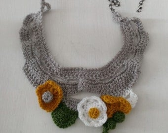 Crochet necklace multicolored