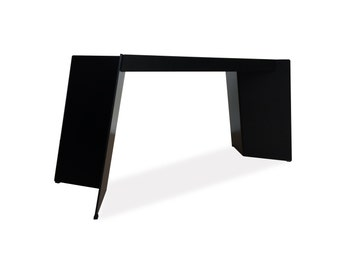 structure metal removable table very robust and versatile