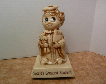 "Vintage Sillisculpts R & W Berries Co's Figurine ""World's Greatest Student"" #768 from 1976"