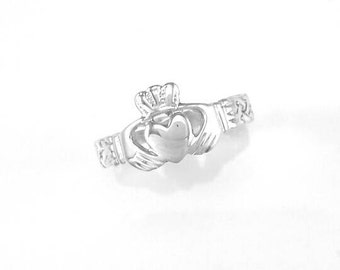 Irish handmade Celtic claddagh ring• Sterling silver Celtic knotwork ring•handmade in Ireland