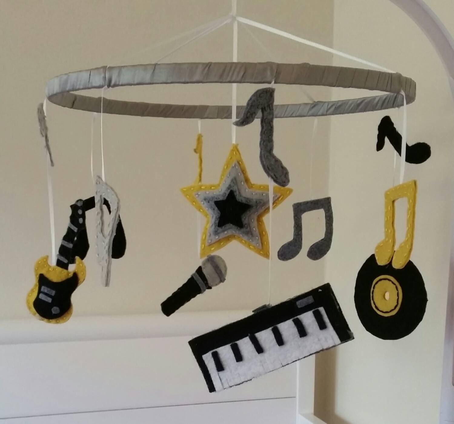 Möbel Rock N Roll | Badezimmer, Schlafzimmer, Sessel & Möbel Design ...