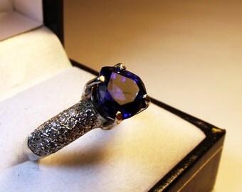 Ceylon Sapphire white gold 14 kts white diamonds